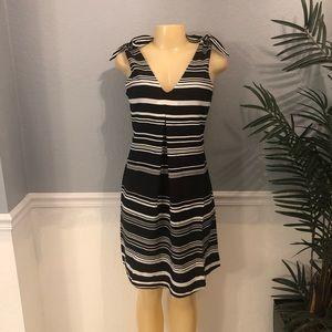 Spense Size 4 & 8 Women V- Neck Dress Black White